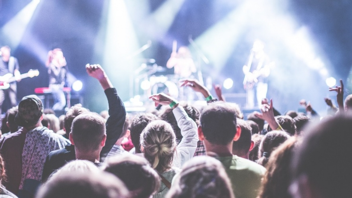 What to Know Before You Become a Band Manager
